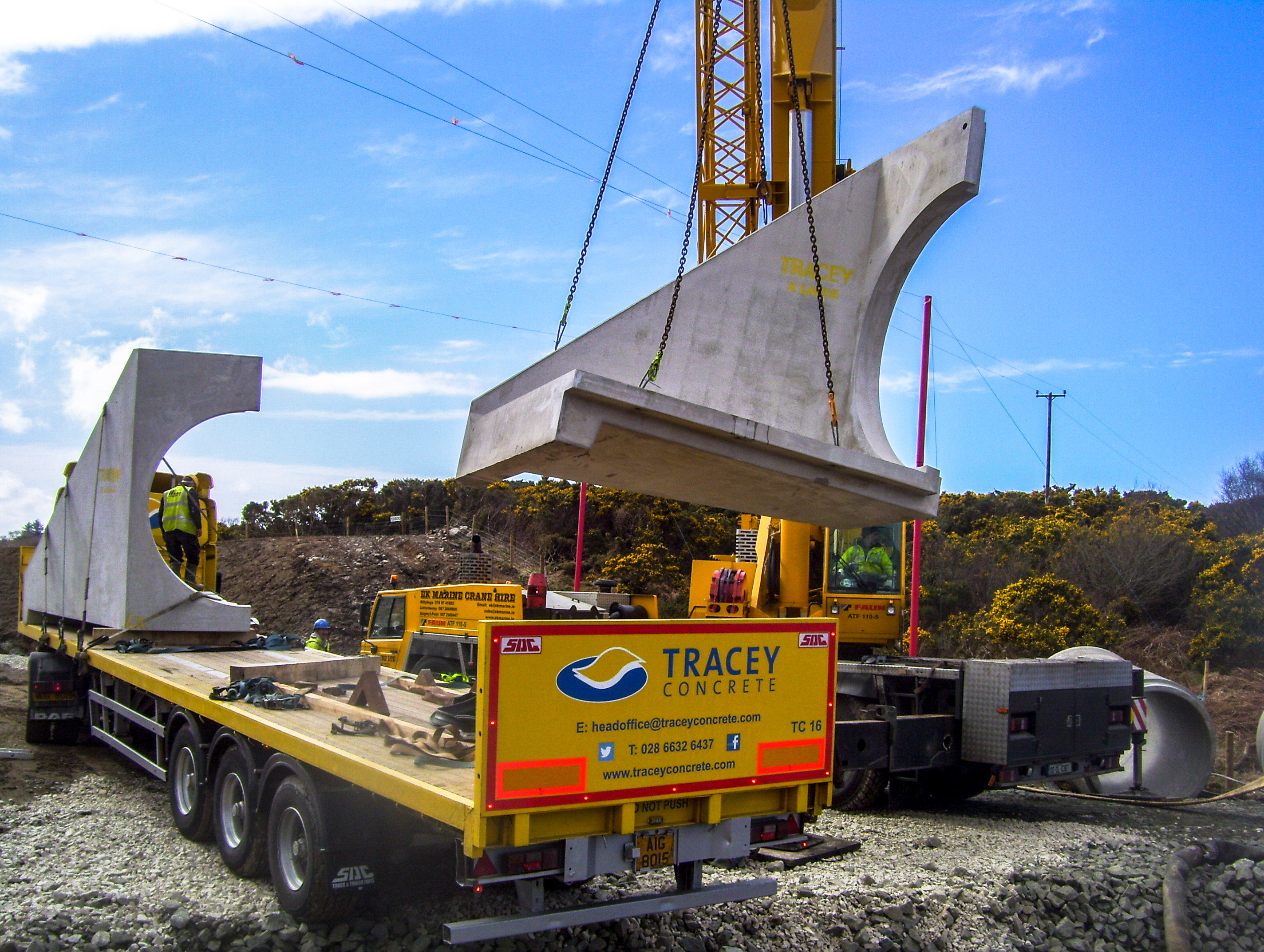 Headwall offloaded onsite