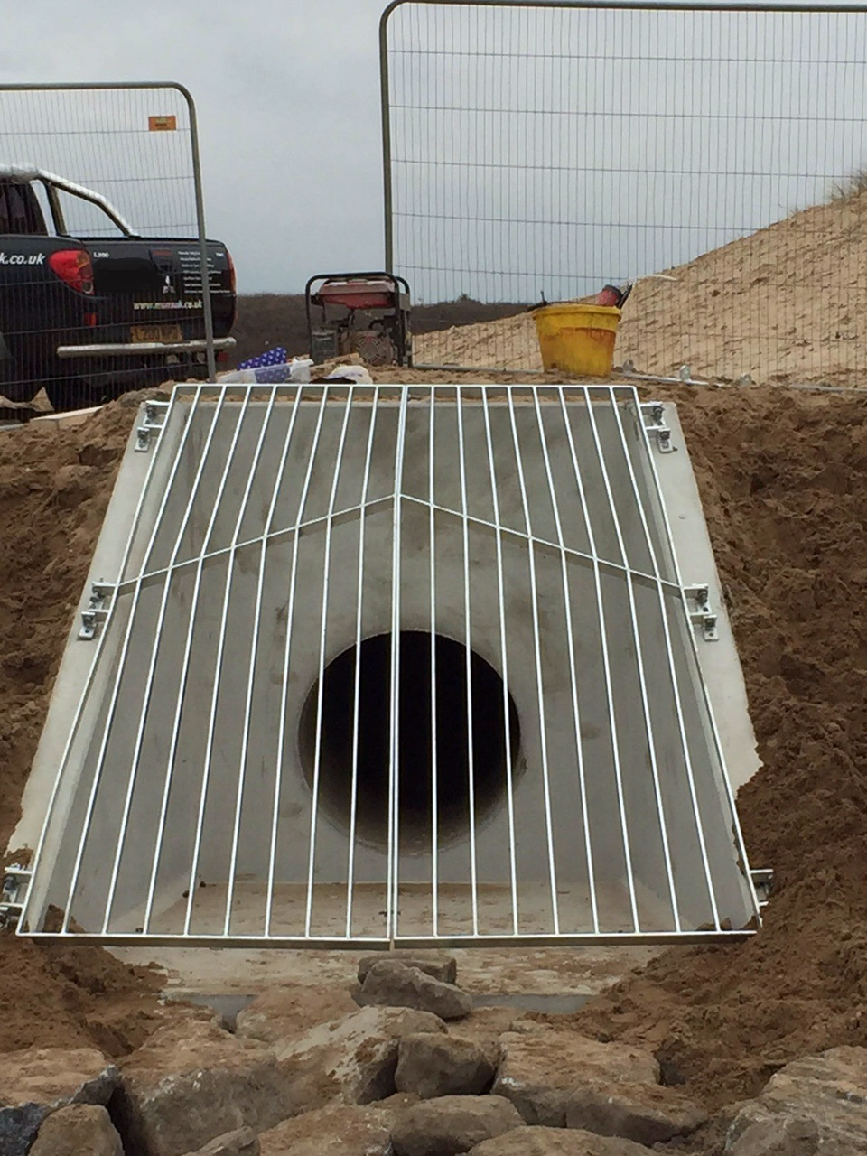 Headwall with Grill